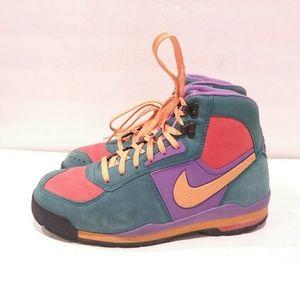 Nike Air Baltoro Men's size 8 hiking sneakers